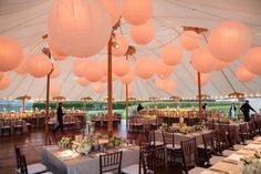 Wedding Reception, Ludlow Farm, Flowers by: Claire Bean Events, Photo: Ira Lippke Studios - Bridgehampton Wedding http://caratsandcake.com/noraandmichael
