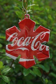 Lavoretti di natale con materiale riciclato, usate le lattine di coca cola