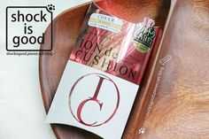 玫瑰金+氣墊粉餅+日本製=買!日本藥妝新鮮貨FlowFushi氣墊粉餅『ION de CUSHION』フローフシ イオン デ クッション…