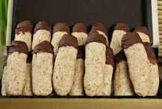 Pesach Fingers Cookies - sounds good and looks very easy. Will try to make these before Pesach ends.