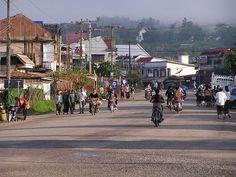 Straßenszene, Muang Xay in Nordlaos // Oudomxay ◆Laos – Wikipedia http://de.wikipedia.org/wiki/Laos #Laos