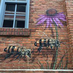 Street art gets the busy-bee treatment at the Burt's Bees headquarters in Durham, North Carolina. New York-based artist Matt Willey recently founded the Good of Murals Street Art, Street Art Graffiti, Urbane Kunst, I Love Bees, Colossal Art, Bee Art, Bees Knees, Chalk Art, Land Art