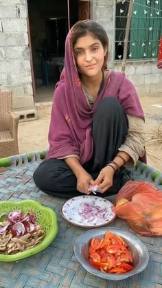 Beautiful Bollywood Actress, Beautiful Indian Actress, Most Beautiful Eyes, Beautiful Songs, Indian Bridal Photos, Girl Hand Pic, Desi Girl Image, Dehati Girl Photo, Beautiful Blonde Girl
