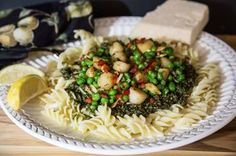 Bay Scallops and Peas with Pesto