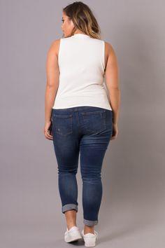 Curvy Sense - Trendy Plus Size Clothing Trendy Plus Size Clothing, Plus Size Dresses, Plus Size Outfits, Plus Size Fashion, Plus Size Crop Tops, Curvy Jeans, White Midi Dress, Summer Looks, Affordable Fashion