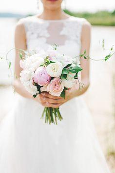 Pink peony bridal bouquet | Maria Levitska Photography | see more on: http://burnettsboards.com/2015/01/adorable-russian-wedding/