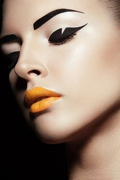 Winged Detailed Eyeliner | Geometric | Electric Orange Lips