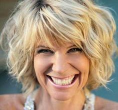 Nice and lovely wavy bob hair...WOULD LOVE TO TRY...