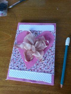 Caderno com tecidos..