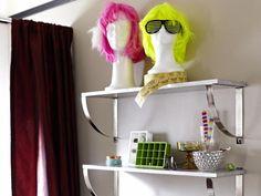 DIY Hollywood-Inspired Girl's Bathroom >> http://www.diynetwork.com/bathroom/hollywood-inspired-girls-bathroom/pictures/index.html?soc=pinterest