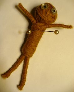 Make a Yarn Voodoo Doll - great for Halloween, or Mardi Gras themed parties Diy And Crafts, Crafts For Kids, Arts And Crafts, Dollar Store Crafts, Dollar Stores, Diy Voodoo Dolls, Voodoo Party, Yarn Stash, Crafty Craft