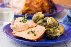 Searching for yummy chicken recipes to serve up for dinner? Make your crock pot happy with these slow cooker chicken recipes from Genius Kitchen. Slow Cooker Recipes, Crockpot Recipes, Cooking Recipes, Ninja Recipes, Meat Recipes, Dinner Recipes, Fajita Seasoning Mix, Chicken With Olives, Fresh Chicken