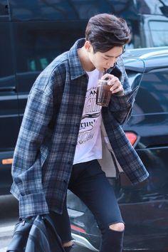 Korean Celebrities, Korean Actors, Korean Idols, Korean Outfits, Trendy Outfits, Swag Boys, Korean Fashion Men, Japanese Men, Seong