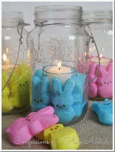 DIY Peeps Mason Jar Candles [Tutorial] : via Confessions of a Plate Addict Easter Peeps, Hoppy Easter, Easter Party, Easter Treats, Easter Table, Easter Bunny, Easter Food, Spring Crafts, Holiday Crafts