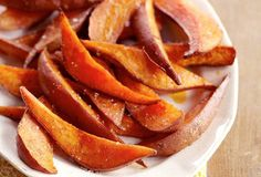 Sweet Potato Wedges Recipe from Leite's Culinaria, found Potato Wedges Recipe, Sweet Potato Wedges, Healthy Snacks For Kids, Healthy Recipes, Kid Snacks, Healthy Eating, Meal Recipes, Healthy Dinners, Yummy Recipes
