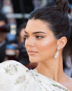 inspirações de maquiagem com Kendall Jenner Maquiagem Kendall JennerMaquiagem Kendall Jenner Kendall Jenner Estilo, Kendall Jenner Outfits, Kylie Jenner, Maquillage Kendall Jenner, Kendall Jenner Makeup Tutorial, Urban Decay, Jenner Style, Madame, Natural Makeup