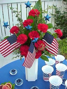 Patriotic Table Decorating Ideas | Decorate Your Holiday Table with a Patriotic Centerpiece