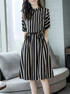 2116ffc4dceb7 Round Neck Elastic Waist Patch Pocket Striped Skater Dress - berrylook.com  Casual Dresses