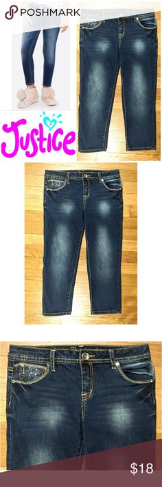 """Crop Jegging Sequin Justice jeans These awesome Justice crop jegging jeans are perfect for dressing on any occasion! Blue cotton polyester blend with 1% spandex for stretch fit. Traditional 5 pocket style, leather logo tag on back. Decorative accent threading with clear sequin decoration on 5th pocket and buttoned back pockets. Size 16 R,  21.5"""" inseam, model shows fit only. Dress up or down with sneakers and tees, boots and sweaters... possibilities are endless! In EXCELLENT condition NO…"""