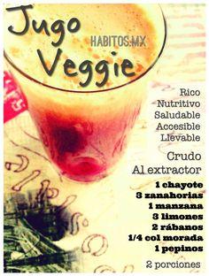 Jugo Veggie: chayote, zanahoria, manzana, limones, rábanos, col morada y pepinos