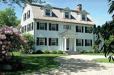 Design Chic: Things We Love: White Clapboard Houses