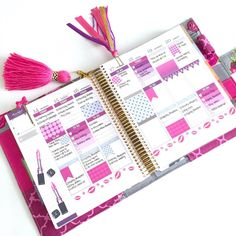Planner pages for next week in my Erin Condren Lifeplanner. Save 15% on all items in my shop, using coupon code HAUTEPINKFLUFF Etsy shop: www.hautepinkfluff.etsy.com $10 off your Erin Condren Life...