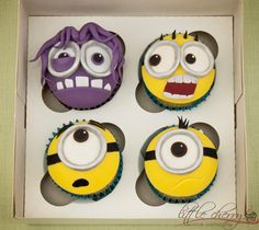 These minions get everywhere lately….but here they are trapped in a box with a purple minion arggghhhh! Geek Birthday, Minion Birthday, Minion Party, Star Wars Birthday, Birthday Cakes, 7th Birthday, Disney Cupcakes, Minion Cupcakes, Cupcake Cookies