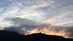 Ho pensieri come petali di rosa #nofilter #sunrise #clouds #italy #diamanta #diversamenteintelligente