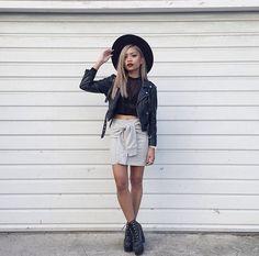 pin | @justizz Grunge Hipster Fashion, Teen Fashion, Fashion Outfits, Fall Lookbook, Fall Wardrobe, Fashion Killa, Her Style, Everyday Fashion, Fashion Forward