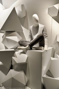 http://retaildesignblog.net/2015/06/02/holt-renfrew-windows-2015/