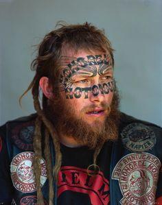 le photographe Jono Rotman a capturé des portraits de plus de 200 membres du plus important gang Neo-Zélandais, les Mongrel Mob.