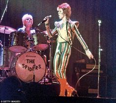 Woody and Bowie on stage in Los Angeles in 1973...