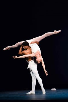 Carlos Acosta and Darcey Bussell. the true king and queen of ballet Male Ballet Dancers, Ballet Poses, Ballet Pictures, All About Dance, Kinds Of Dance, Dance Academy, Ballet Photography, Royal Ballet, Ballet Beautiful