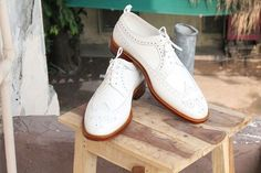 White Leather Wing Tip Brogue Shoes. Handmade Brogue Lace Up Dress Shoes. - White Leather Wing Tip Brogue Shoes. Handmade Brogue Lace Up Dress Shoes. White Shoes Men, White Leather Shoes, Handmade Leather Shoes, Soft Leather, Lace Up Shoes, Dress Shoes, Usa Shoes, Cap Toe Shoes, Formal Shoes
