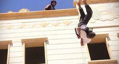 HXOS RADIO  NEWS:           Νέο βίντεο δείχνει το ISIS να πετάει από...