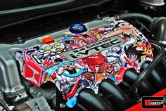 Engine cover lined with sticker bomb, Honda Civic SI. Civic Eg, Honda Civic Si, Honda Crx, Jdm Stickers, Cool Stickers, Carros Honda, Vehicle Signage, Sticker Bomb, Car Mods