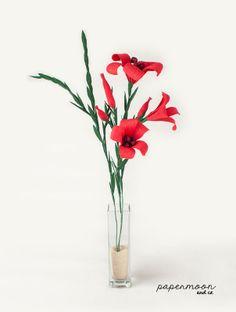 Centro de flores rojas