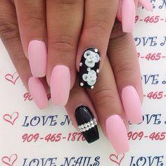 I like the black nail with the diamond strips
