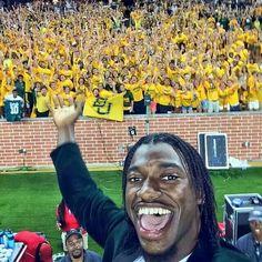 RG3 is #Baylor. // Heisman-winning alum takes selfie with BU freshmen, shares with 1 million+ followers.