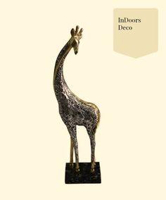 La #Jirafa, animal impresionante, con una calma interior admirable, y esta figura para representar tu amor por ellas! Acabados metálicos, toques elegantes, encuentrala en nuestra tienda en linea! #InDoorsdeco https://www.facebook.com/InDoorsDecoMexico/