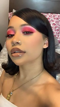 pink eyeshadow and glam makeup Black Girl Makeup, Pink Makeup, Girls Makeup, Glam Makeup, Makeup Inspo, Makeup Inspiration, Eye Makeup, Hair Makeup, Witch Makeup