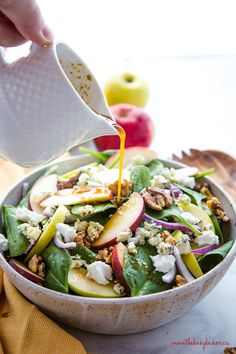This Apple Walnut Spinach Salad with Balsamic Vinaigrette Dressing is a delicious winter salad recipe that's packed with healthy greens, fruit, nuts, sweet onions, sharp blue cheese and buttery goat c Balsamic Salad, Salad With Balsamic Dressing, Dressing For Fruit Salad, Salad Dressing Recipes, Salad With Fruit, Winter Fruit Salad, Summer Salad, Quinoa Salad, Healthy Recipes