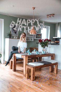 Geburtstagsparty-25.Geburtstag-Mrs.Brightside-Hamburg-Blogger-Lifestyleblog-Fashionblog-Travelblog-Party-Dekoration-Luftballons-Carrot-Cake-1    MRS. BRIGHTSIDE - Fashion, Travel & Lifestyle Blog aus Hamburg & Düsseldorf Mrs. Brightside - Lifestyle Blog Hamburg, Mode Blog Hamburg, Fashion, Interior, Travel Blog