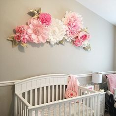 I recently had another opportunity to do a baby nursery flower. I don't think I ever get tire of making these giant florals that will add so much character and sweetness to a little girl room. Girls and flowers just go well together. Happy Saturday! It's sunny and bright here in Seattle and I hope you have a wonderful weekend!