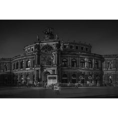 Semperoper #architecture #architecturelovers #longexposure #historical #old #longexposurephotography #fineart #fineartarchitecture #longexposurearchitecture #monochrome #blackandwhite #bwcurators #bw_archaholics #enVisionography #parliament #_fujilove_  #fujix #fujifilmcz #černobílá #bucharest #germany #windows #stream #minimalistic #fotoaktualne #instax #semperoper #picofday #monochrome #fujistask @fujistask #kvalitnifotky @kvalitnifotky #fotoaktualne @fotoaktualne