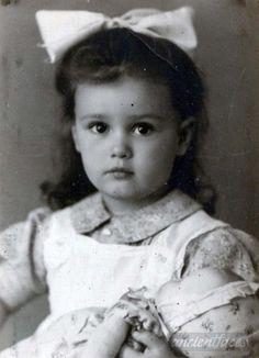 Julia Bricht was sadly murdered at Auschwitz Death Camp in 1944 at age 3