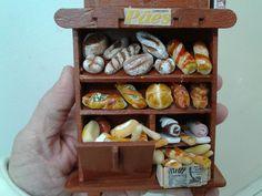 Mini pães em biscuit
