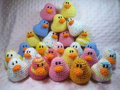 Cute overload, duck style.  Susie Farmgirl: Amigurumi Ducks - Free crochet pattern (susiefarmgirl.blogspot.com )