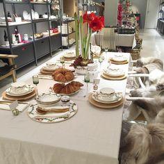 J U L E S T E M N I N G  #christmastime #december #royalcopenhagen #starflutedchristmas #aarhus #denmark #dinnertime