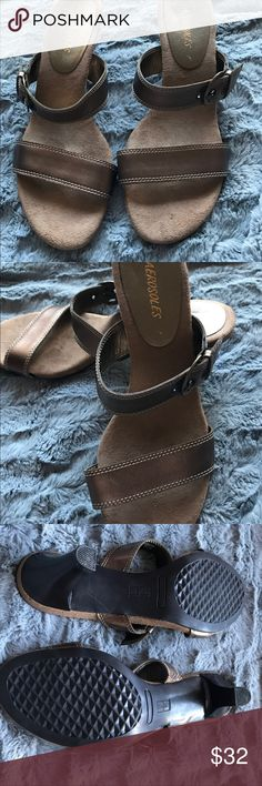 Aerosols Leather Strappy Sandals Causal bronze buckled sandals with 3 inch heel. EUC AEROSOLES Shoes Sandals